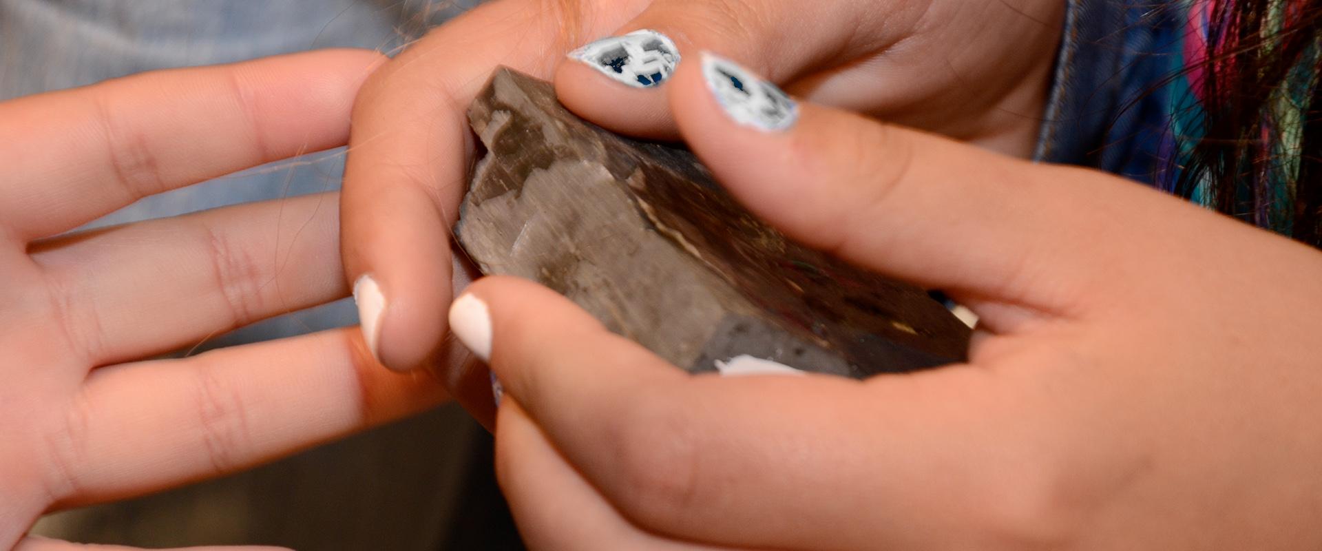 Identificação de minerais em amostras de mão